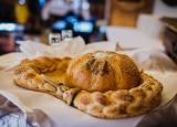 <p>Powitalny chleb weselny</p>